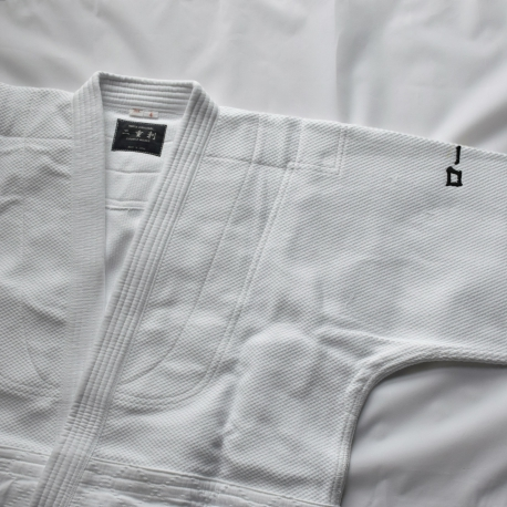 Iwata keikogi 3K-blanco-chaquesta