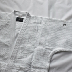 IWATA Keikogi  WA300 blanc